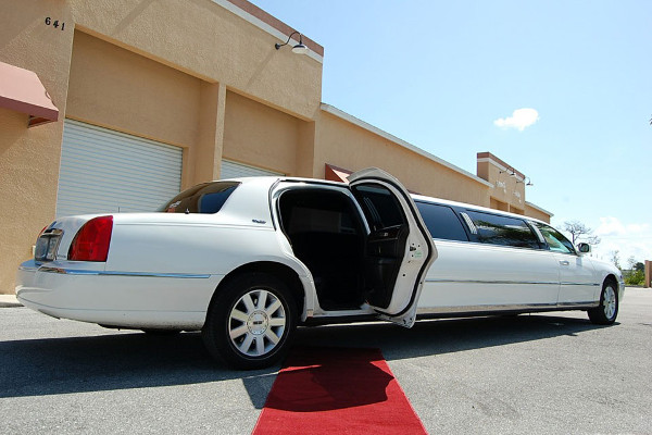 8 Person Lincoln Stretch Limo San Antonio